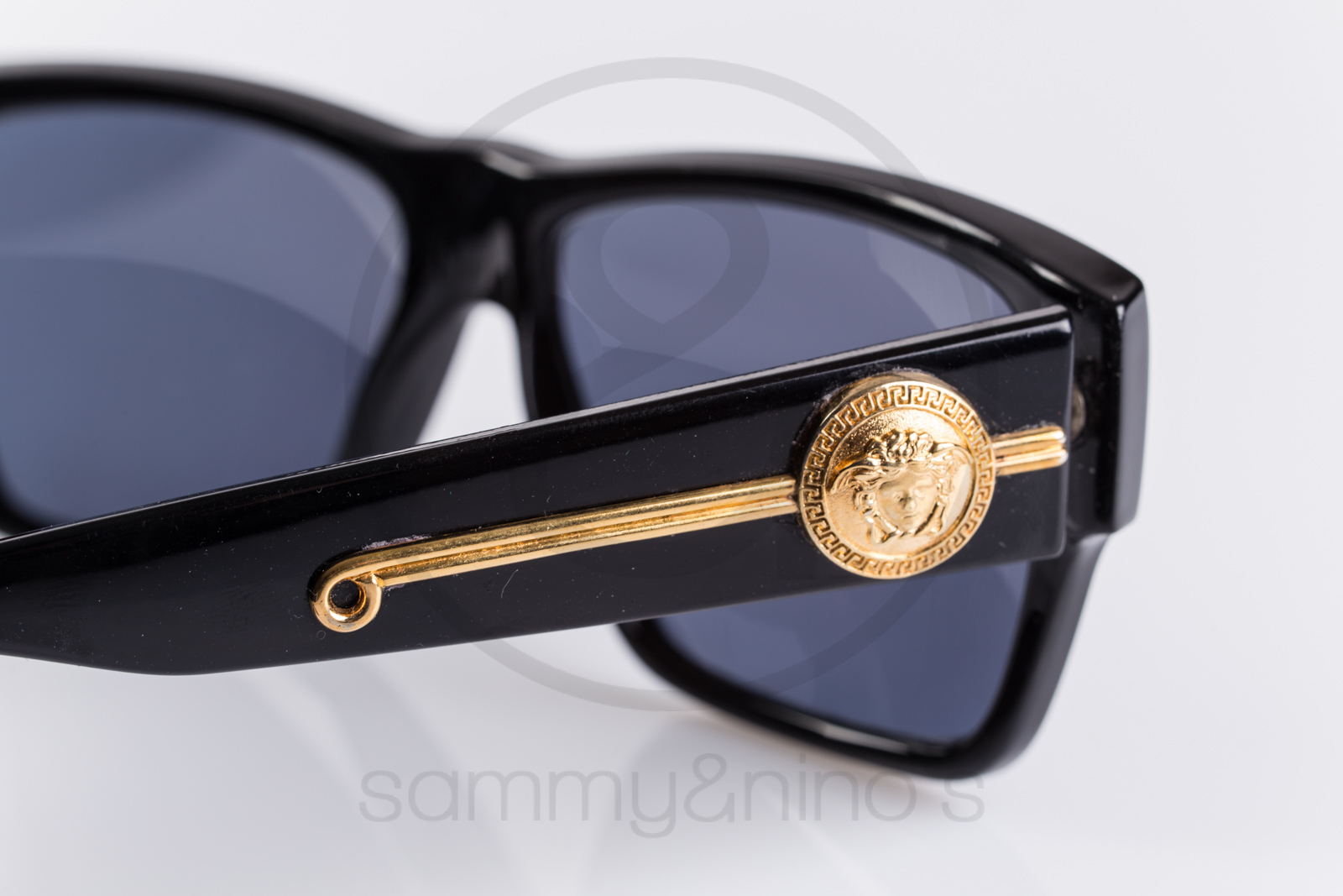 e576f9c5359 Fake Gianni Versace Sunglasses Shops