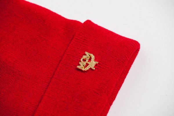 MCM_pin_beanie_red_2