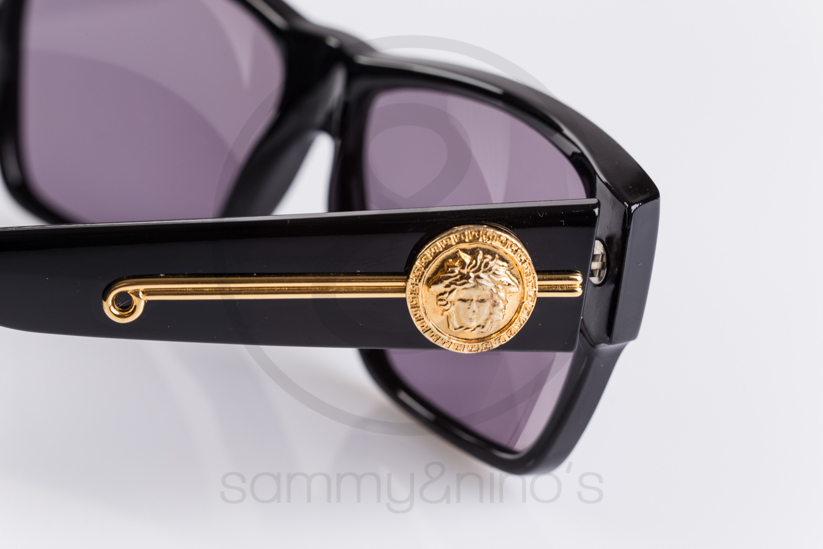 c78a5c3afcf Previous  Next. HomeSOLD OUTGianni Versace 372 dm 852
