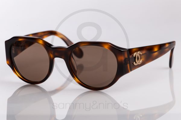 vintage-chanel-sunglasses-04151-90s-1