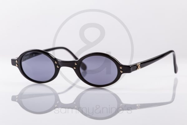 vintage-sunglasses-chanel-02467-black-gold1