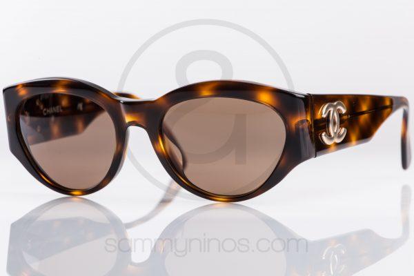 vintage-chanel-sunglasses-04152-lunettes-1