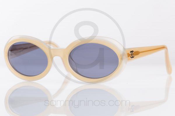 vintage-chanel-sunglasses-07801-lunettes-1