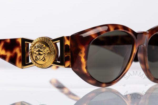 863d101f5cf64 gianni-versace-sunglasses-vintage-424-90s-1
